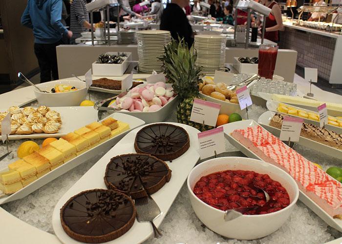Питание на пароме: десерт