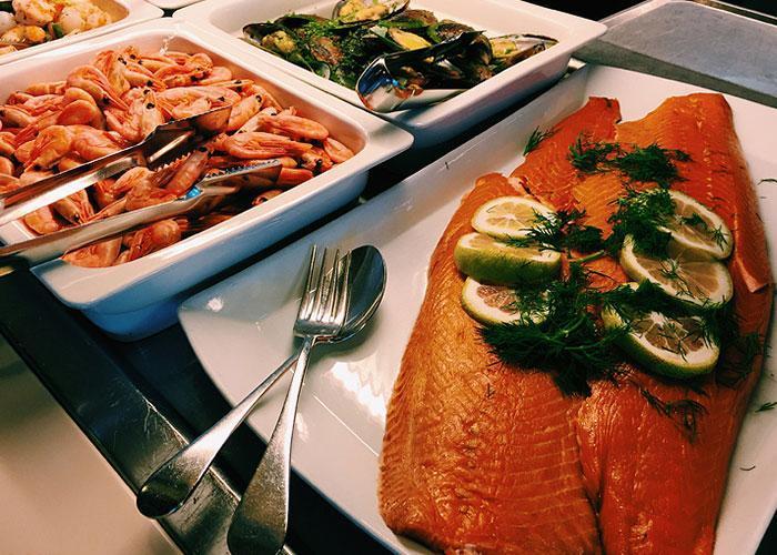 Питание на пароме: рыбные блюда