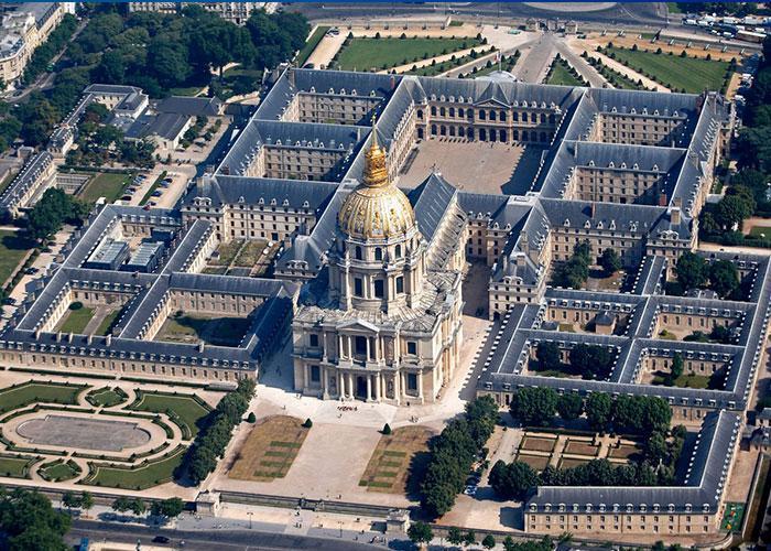 Новогодний тур в Париж из Минска