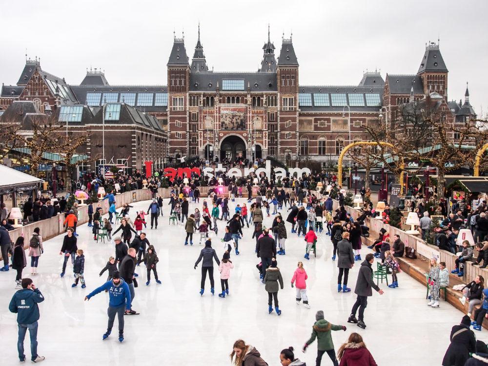 зимний каток в Амстердаме