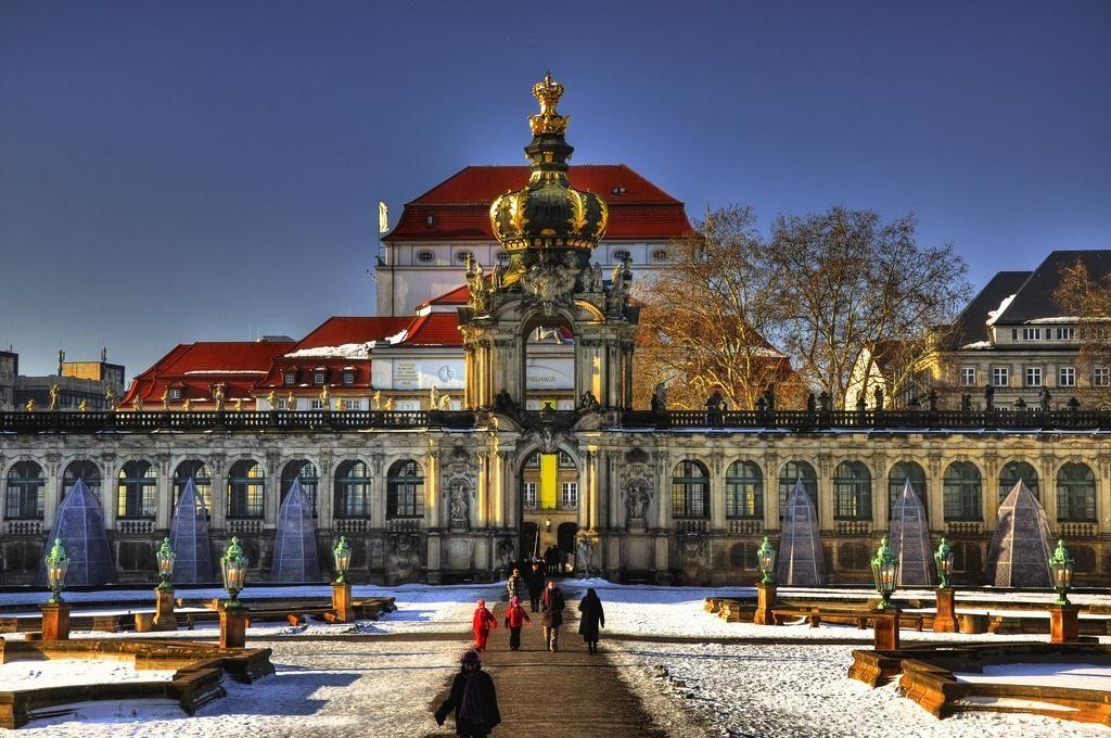 дворец Цвингер зимой