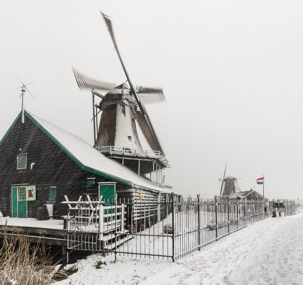 Мельница в Заансе Сханс зимой